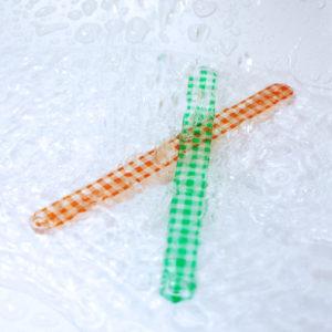 水で丸洗いできて清潔に使えるガラスの爪やすり