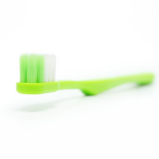 口腔粘膜ケアブラシモフティは置いた時にブラシヘッドが下に着かない設計で衛生的